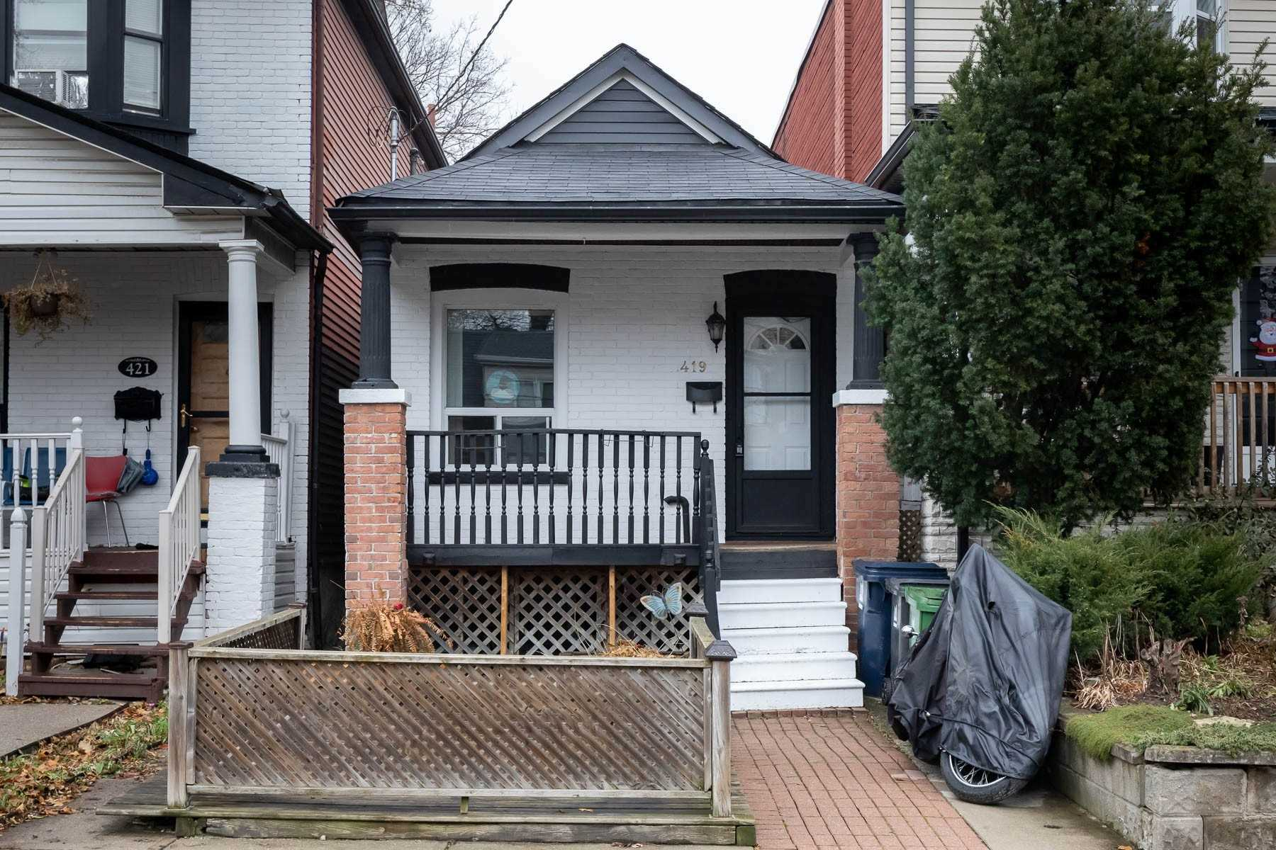 pictures of 419 Rhodes Ave, Toronto M4L3A6