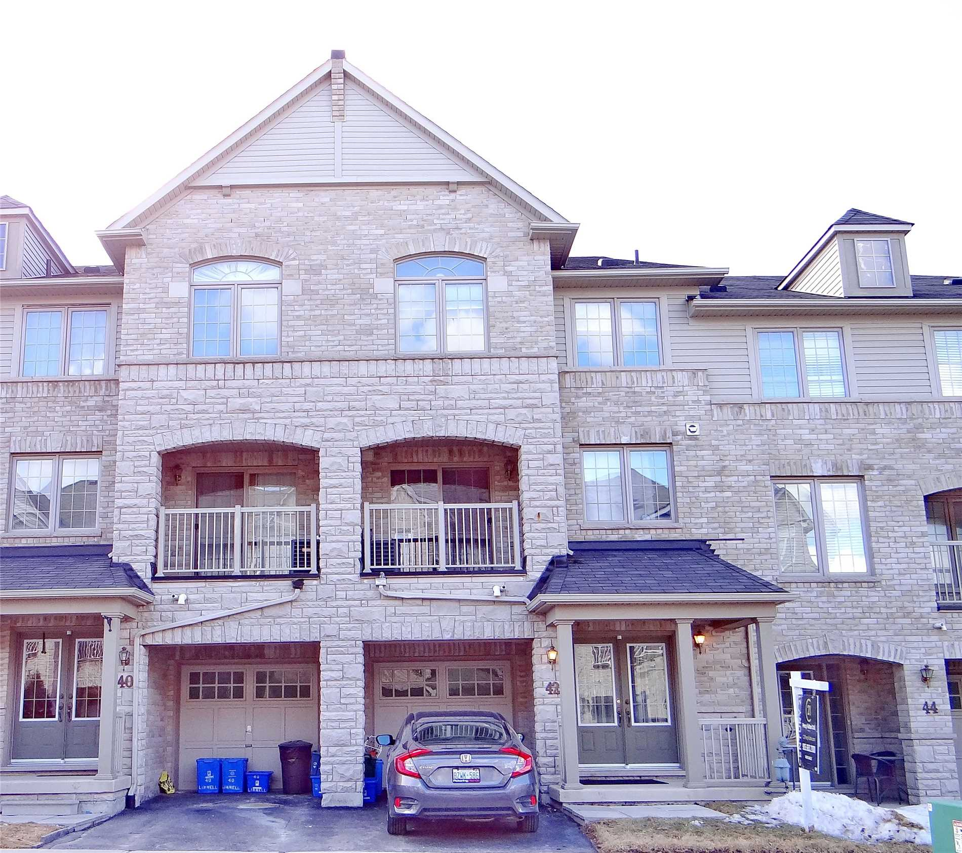 pictures of 42 Linnell St, Ajax L1Z0K9