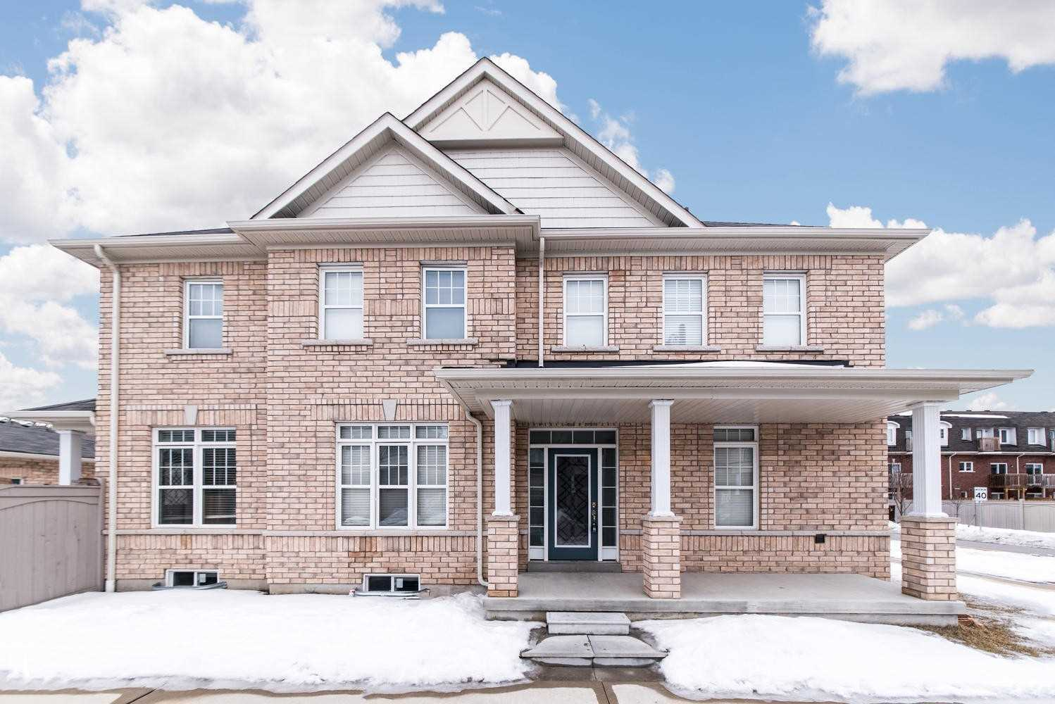 pictures of 2665 Canadian St, Pickering L1X0C9