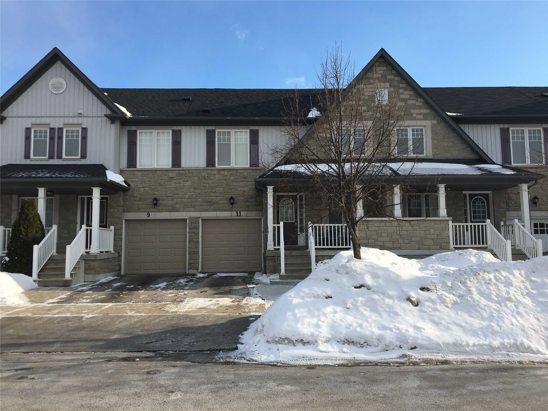 pictures of 11 Haverhill Cres, Whitby L1R3E7