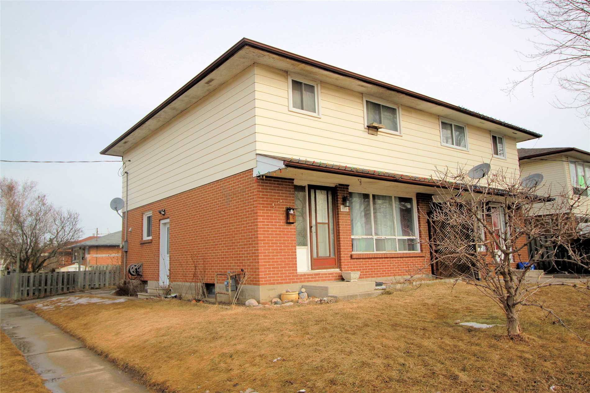 pictures of 612 Cartier Ave, Oshawa L1J2C8