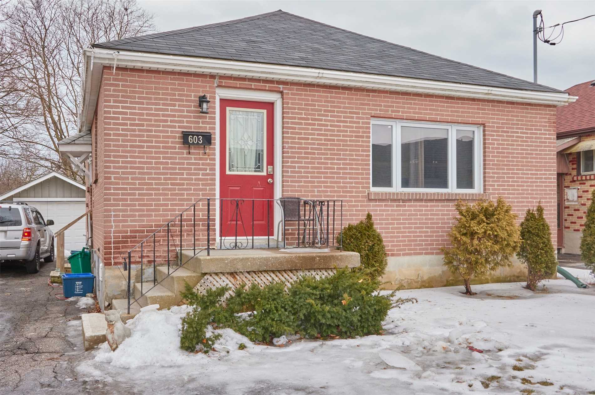 pictures of 603 Mary St E, Whitby L1N2R2