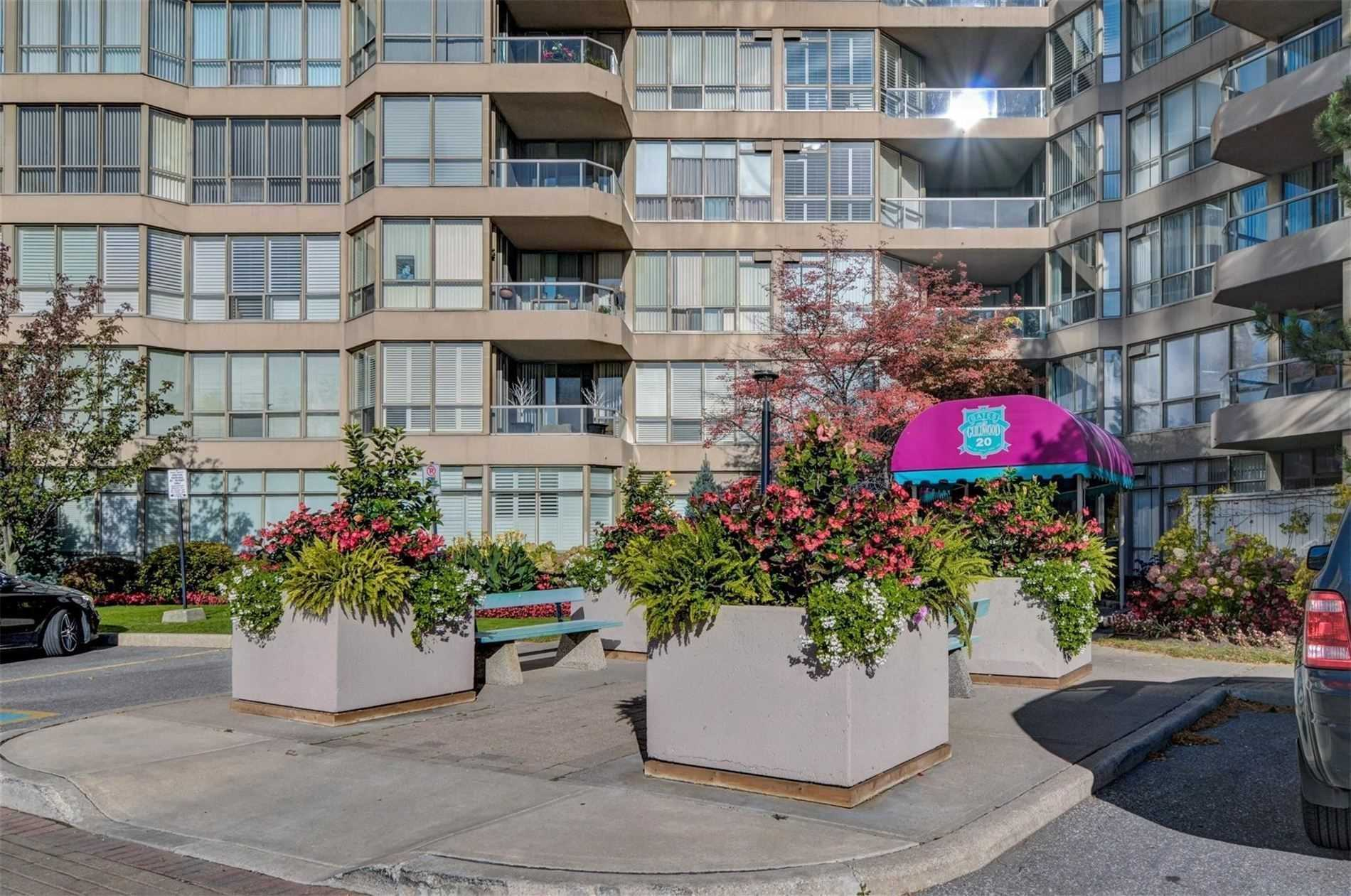 pictures of 20 Guildwood Pkwy, Toronto M1E5B6