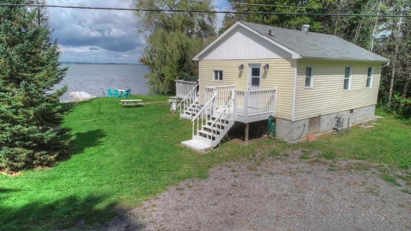 pictures of house for sale MLS: E4673368 located at 23 Dover Lane, Scugog L0B1E0