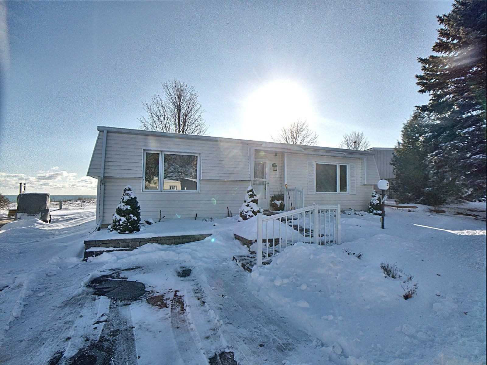 pictures of house for sale MLS: E4675370 located at 29 Bluffs Rd, Clarington L1B1B9