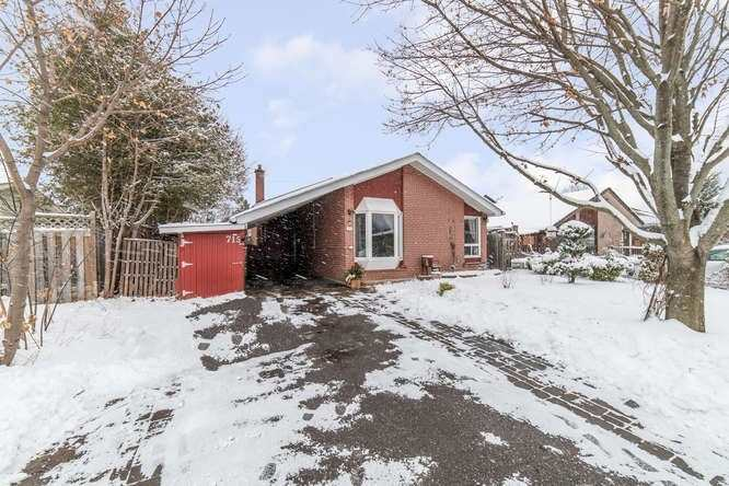 pictures of house for sale MLS: E4680559 located at 715 Balaton Ave, Pickering L1W1W3