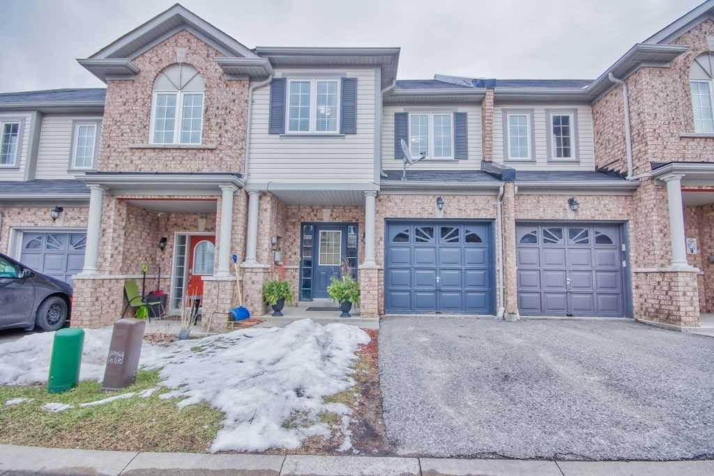 pictures of house for sale MLS: E4684676 located at 7 Tempo Way, Whitby L1M0E9