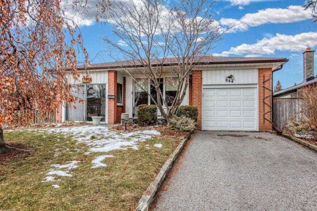pictures of house for sale MLS: E4696872 located at 844 Moretta Ave, Pickering L1W2J9