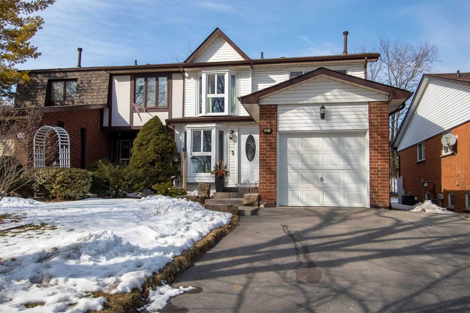 pictures of house for sale MLS: E4699997 located at 57 Renfield Cres, Whitby L1P1B2