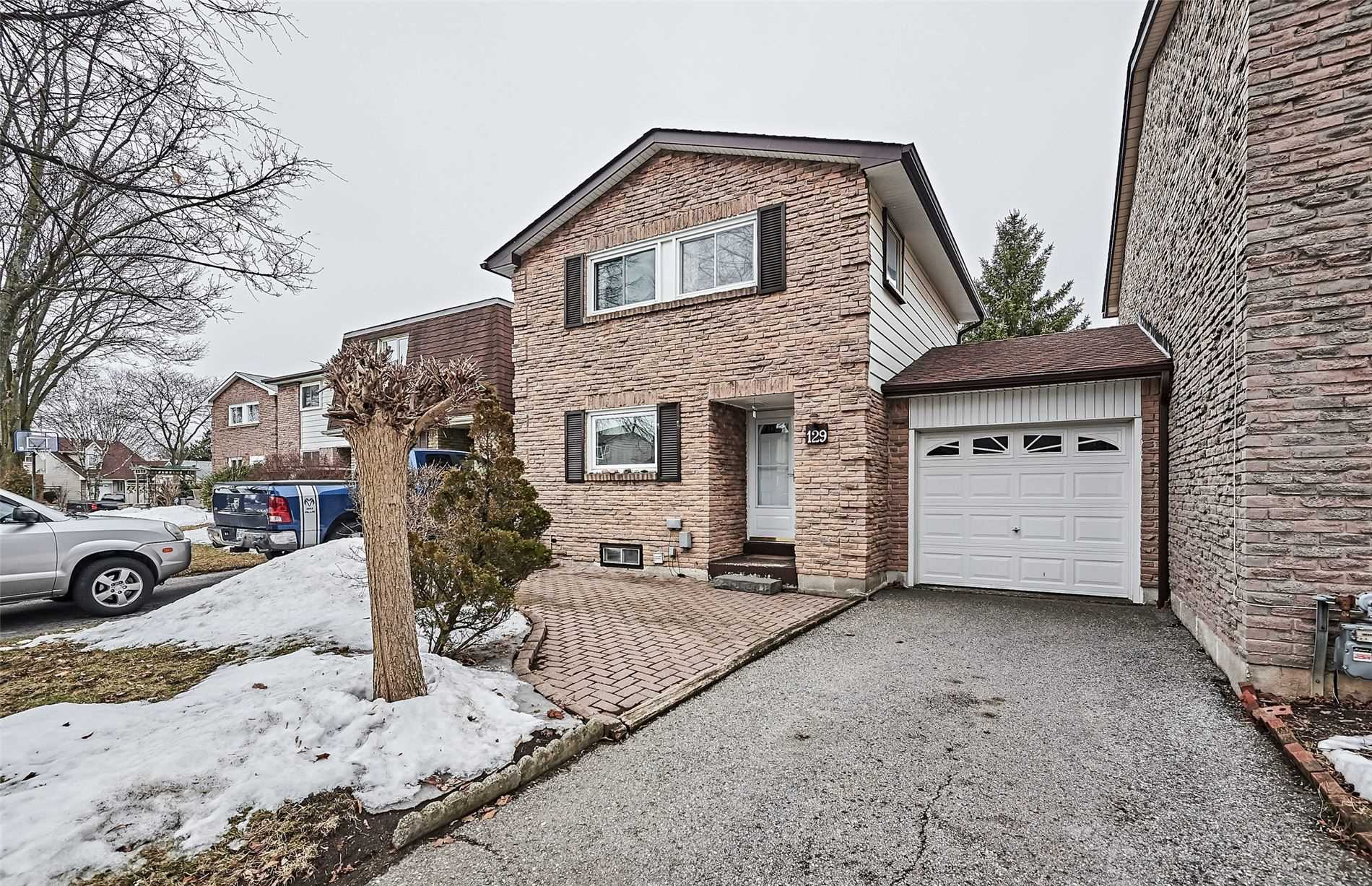 pictures of house for sale MLS: E4717093 located at 129 Rands Rd, Ajax L1S3H8