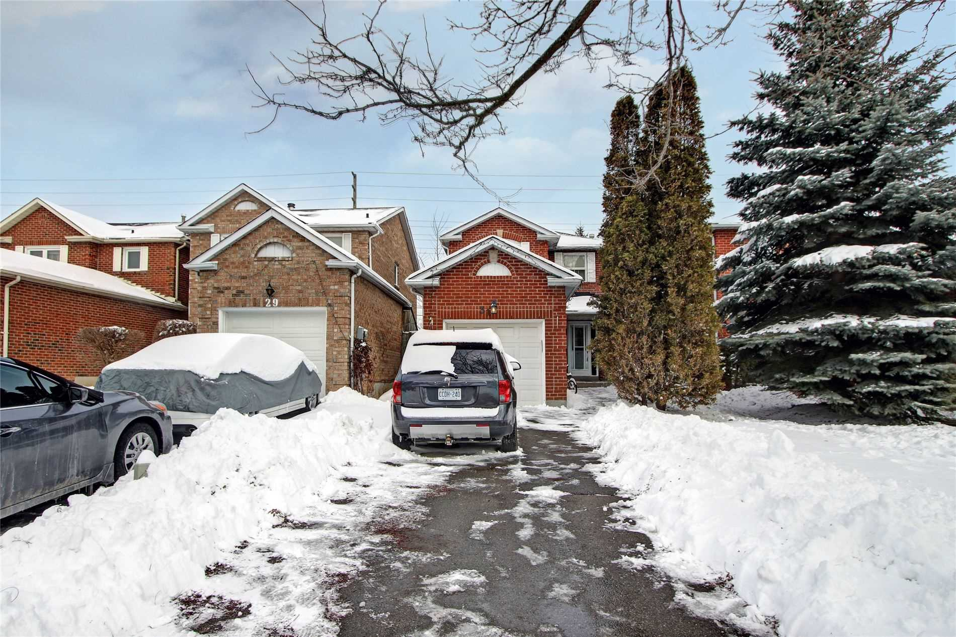 pictures of house for sale MLS: E4722119 located at 31 Tresher Crt, Ajax L1T2N3