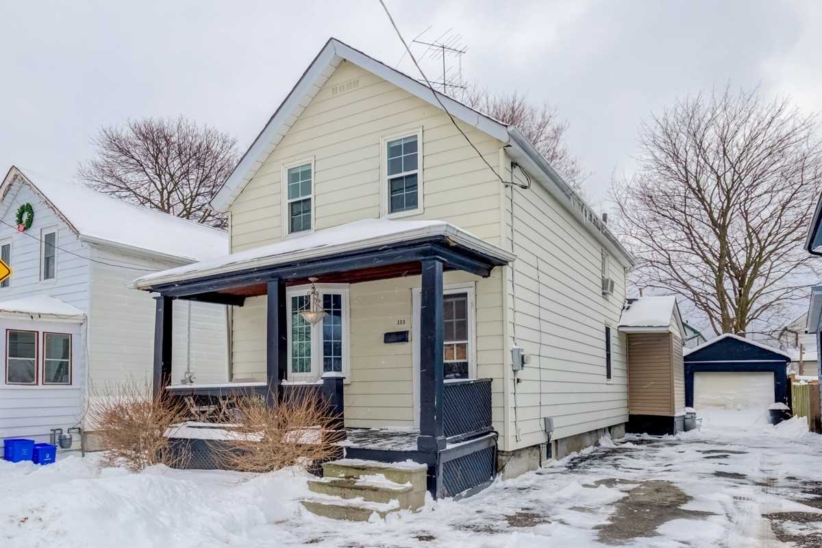 pictures of house for sale MLS: E4722305 located at 133 Barrie Ave, Oshawa L1H2L4