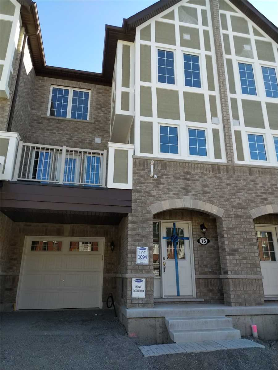 pictures of 15 Bluegill Cres, Whitby L1P0E4