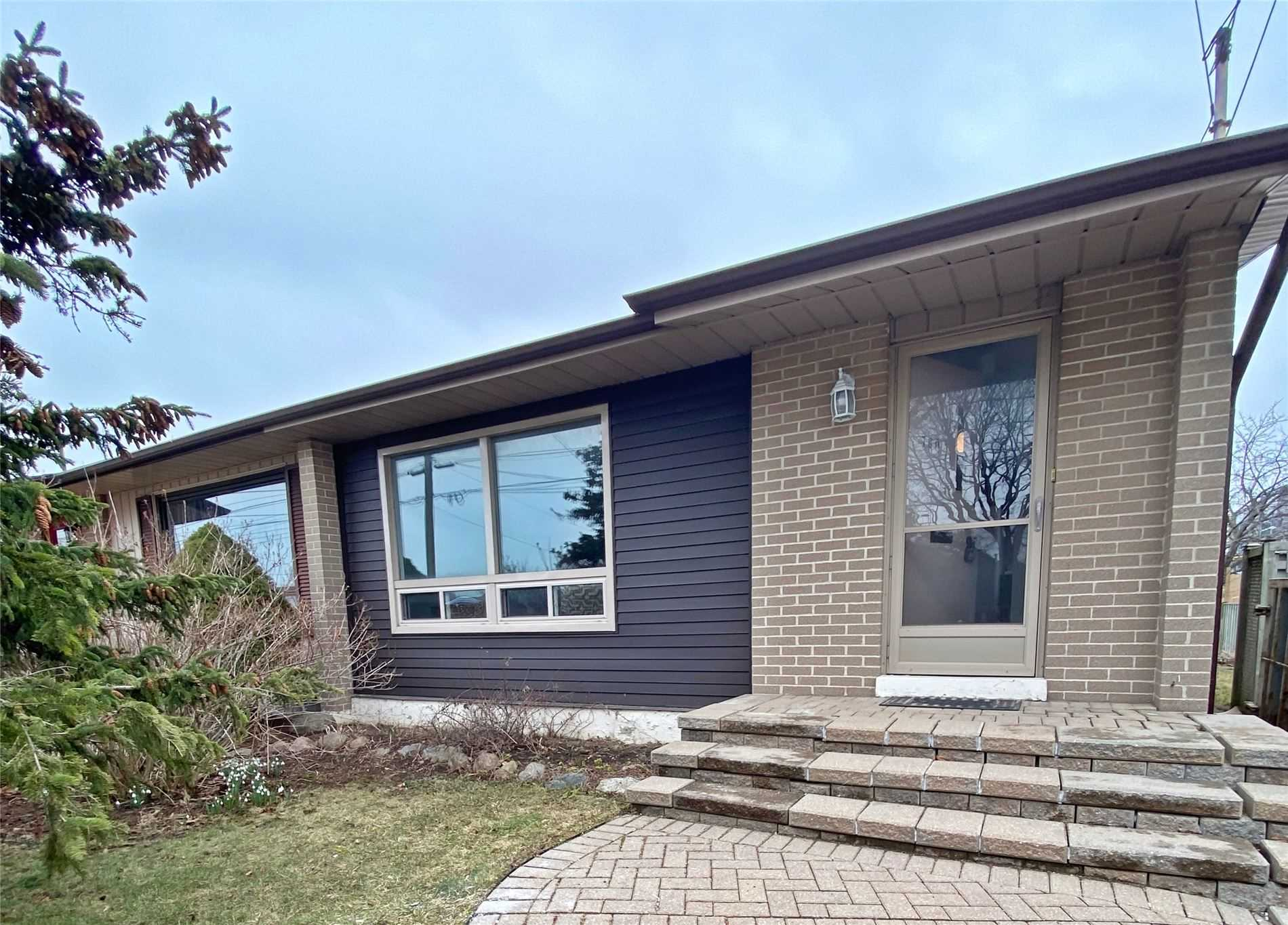 pictures of house for sale MLS: E4729154 located at 780 Hillcrest Rd, Pickering L1W2P4