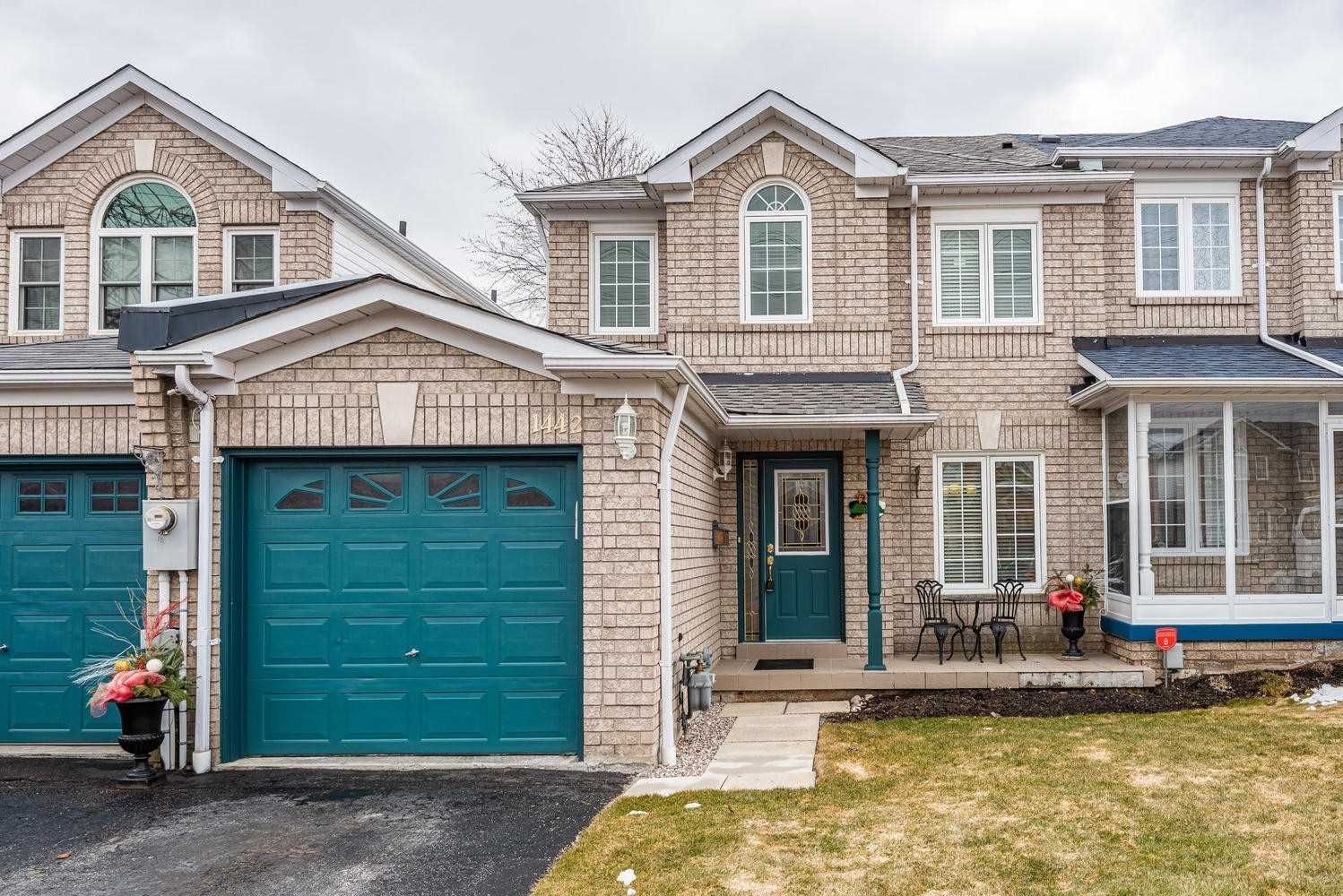 pictures of house for sale MLS: E4731115 located at 1442 Major Oaks Rd, Pickering L1X2N4