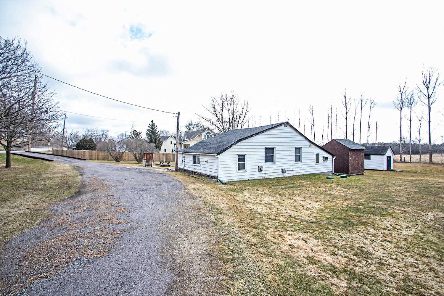pictures of house for sale MLS: E4732019 located at 4413 Highway 2, Clarington L0A1J0