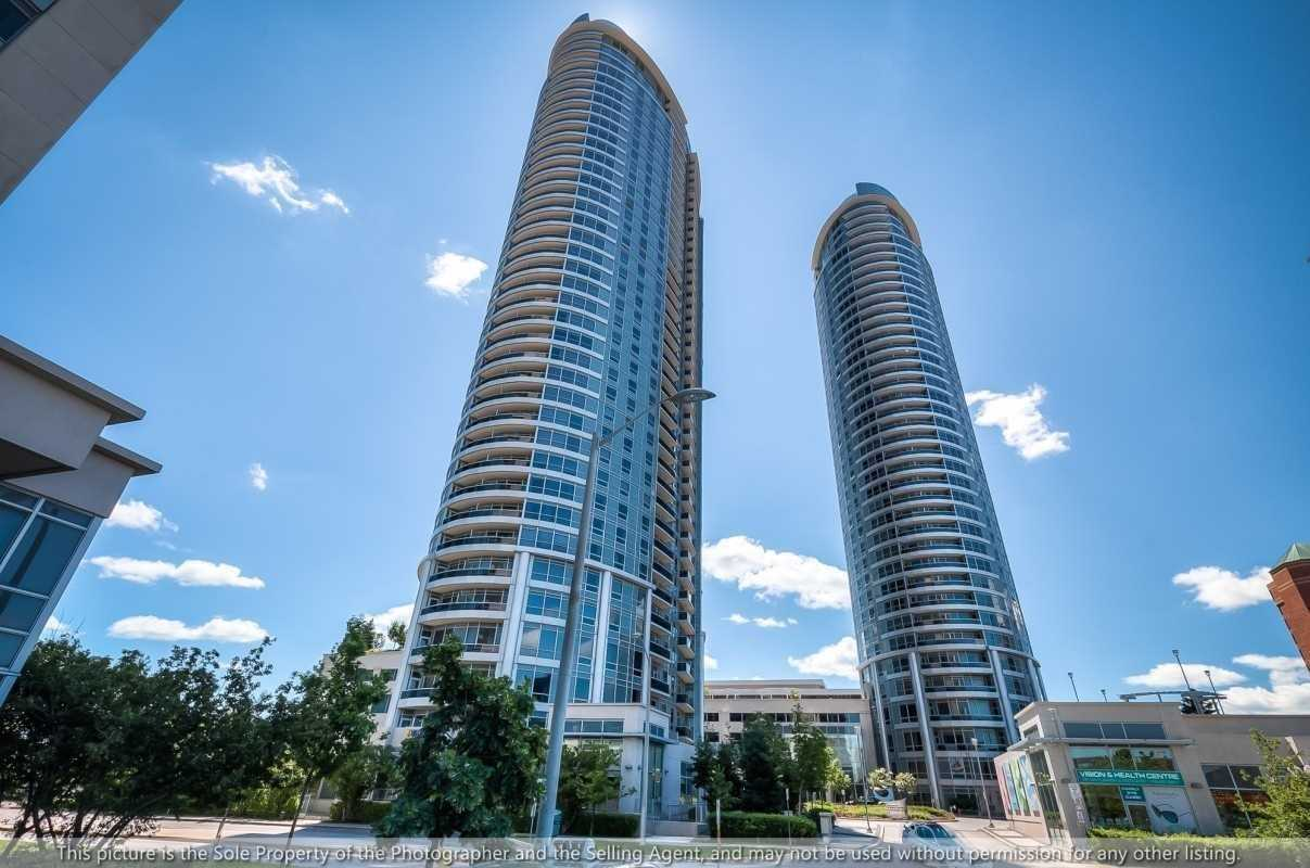 pictures of 135 Village Green Sq, Toronto M1S0G4