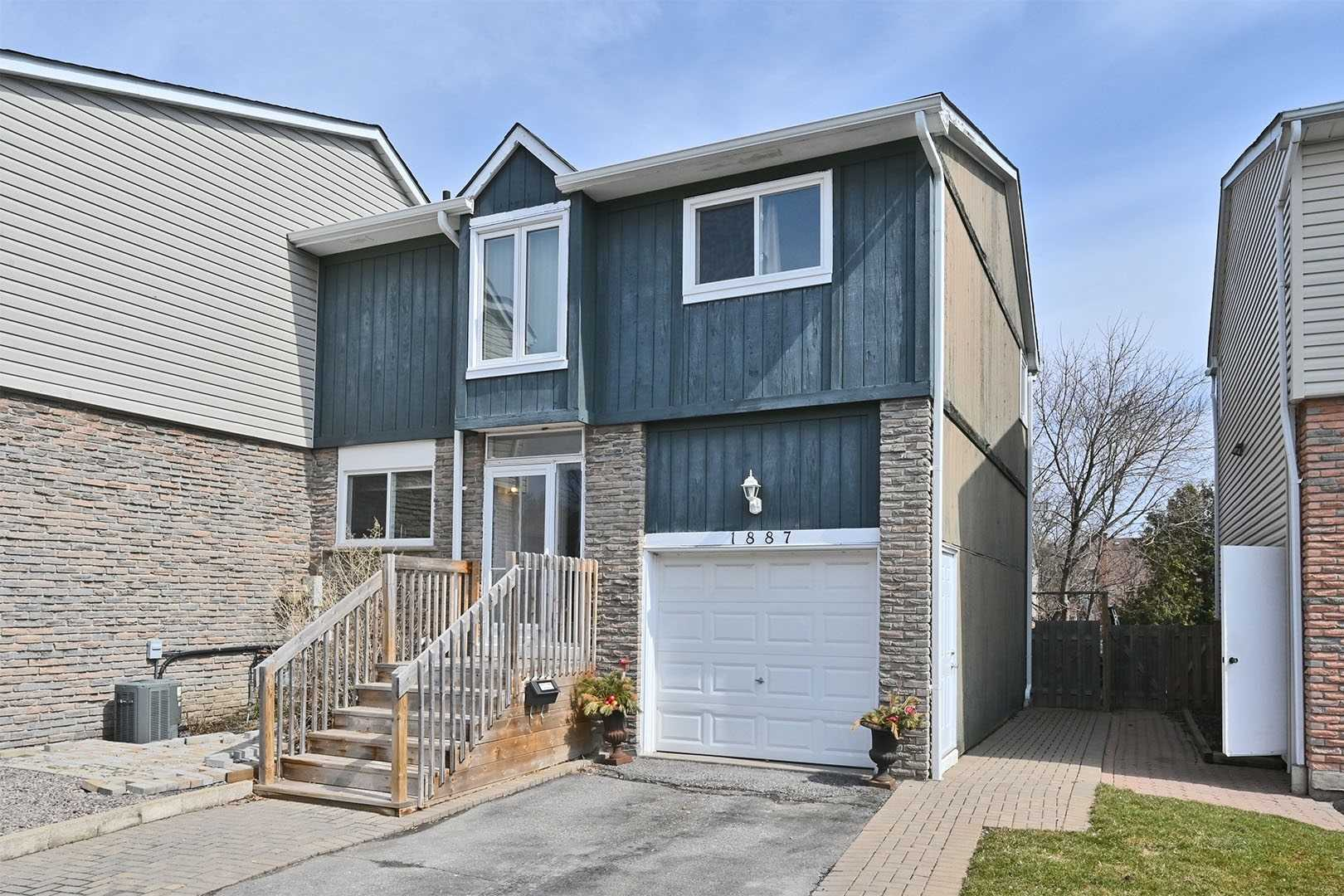 pictures of house for sale MLS: E4732758 located at 1887 Hensall Crt, Pickering L1V3G1