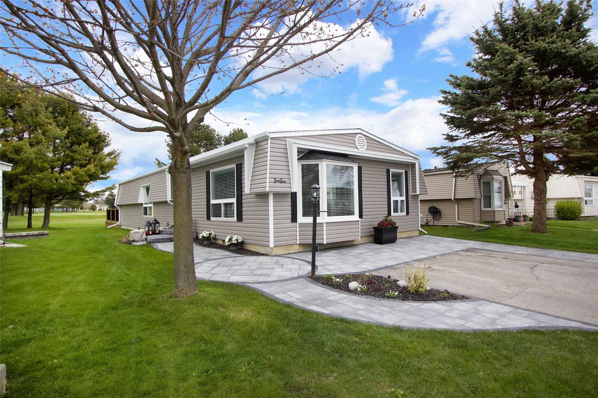 pictures of house for sale MLS: E4733321 located at 12 The Cove Rd, Clarington L1B1B9