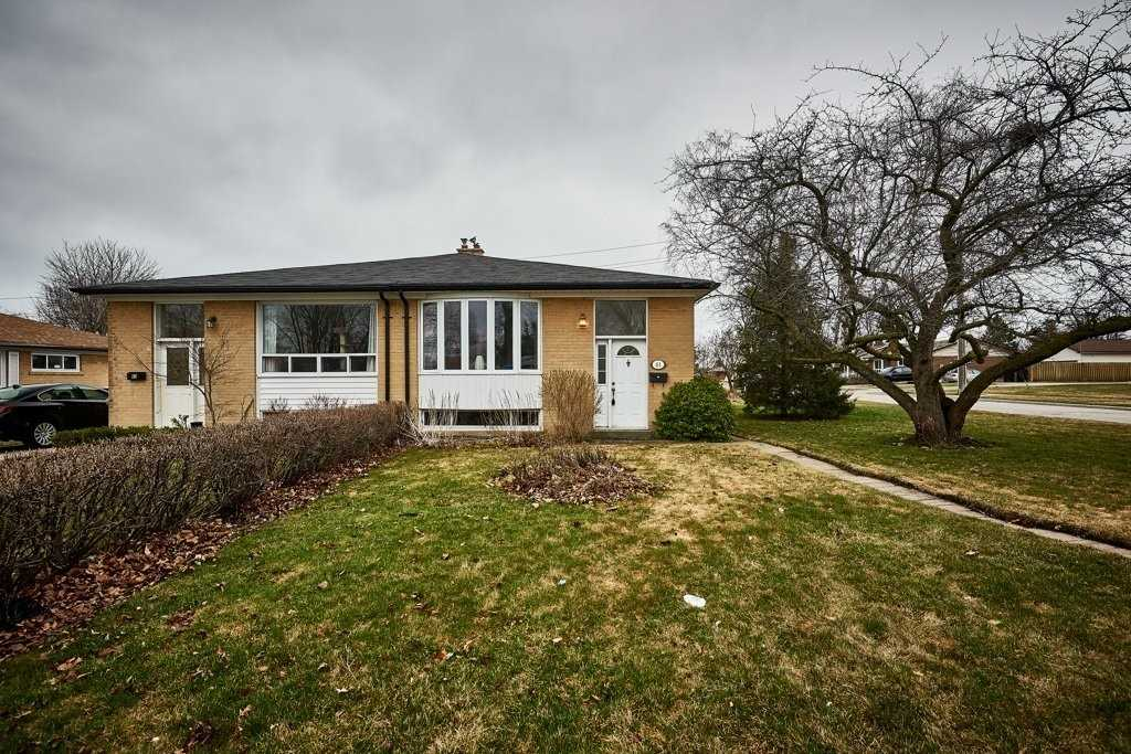 pictures of house for sale MLS: E4735145 located at 61 Emperor St, Ajax L1S1N1
