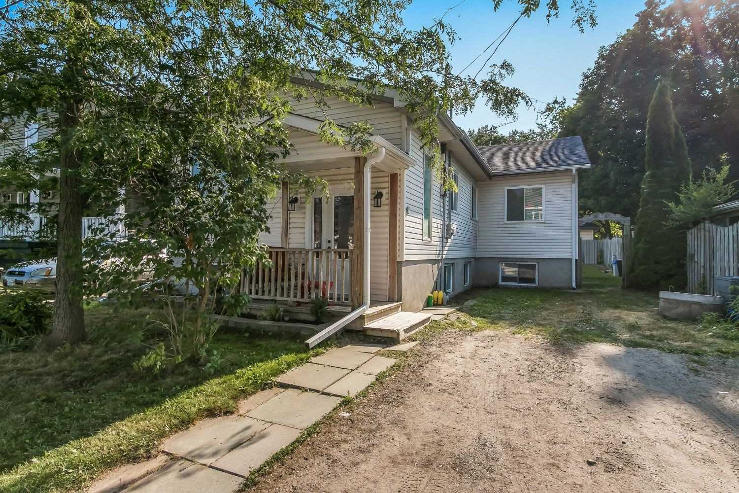 pictures of house for sale MLS: E4735276 located at 10 Marina Dr, Scugog L0B1E0