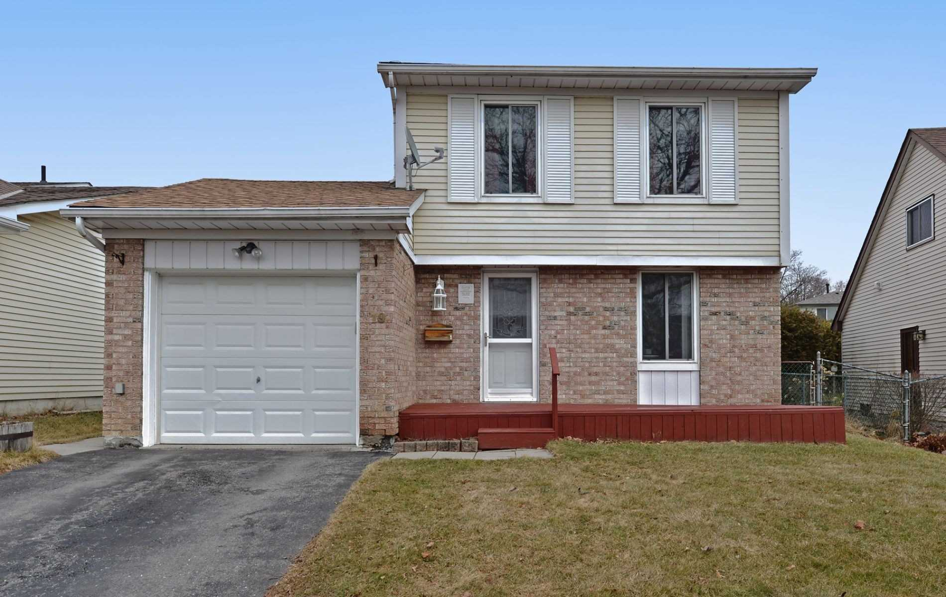 pictures of house for sale MLS: E4739164 located at 19 Banner Cres, Ajax L1S3S8