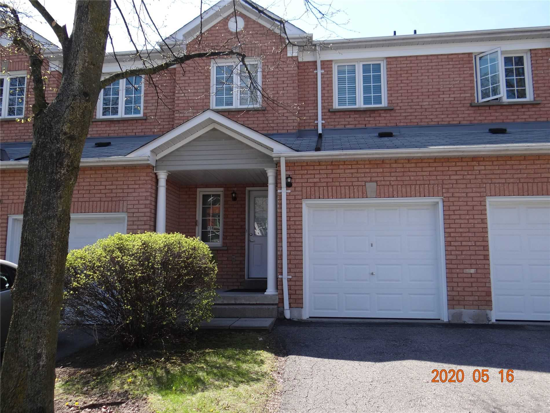 pictures of 10 Bassett Blvd, Whitby L1N9C3