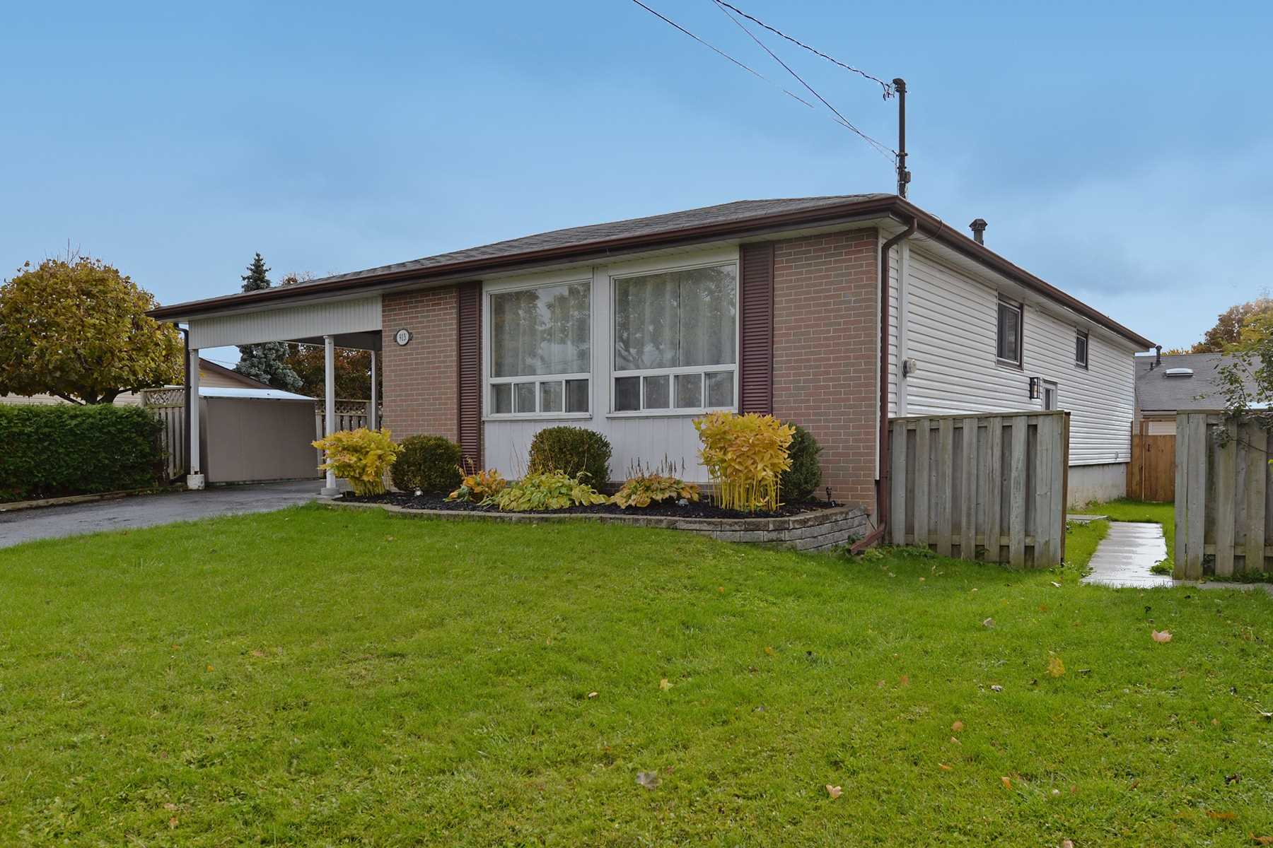 pictures of 913 Lynx Ave, Pickering L1W2K8