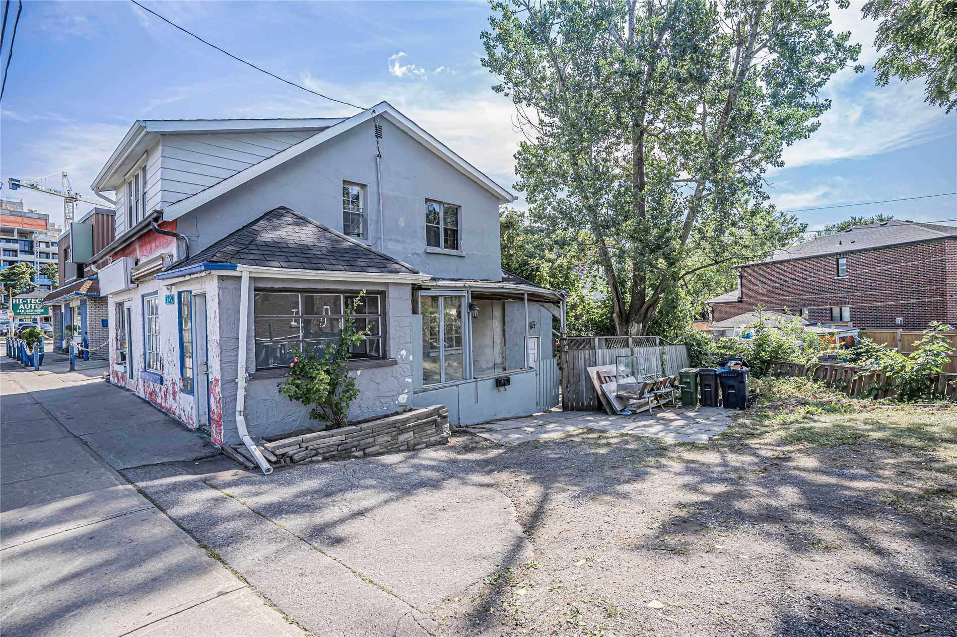 pictures of house for sale MLS: E4871240 located at 2759 Kingston Rd, Toronto M1M1M8