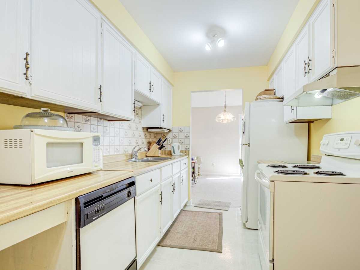 pictures of house for sale MLS: E4913519 located at 84 Croach Cres, Toronto M1S4J1