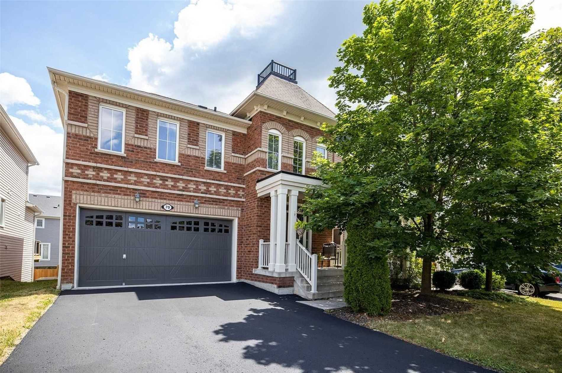 pictures of 70 Strandmore Circ, Whitby L1M0B9