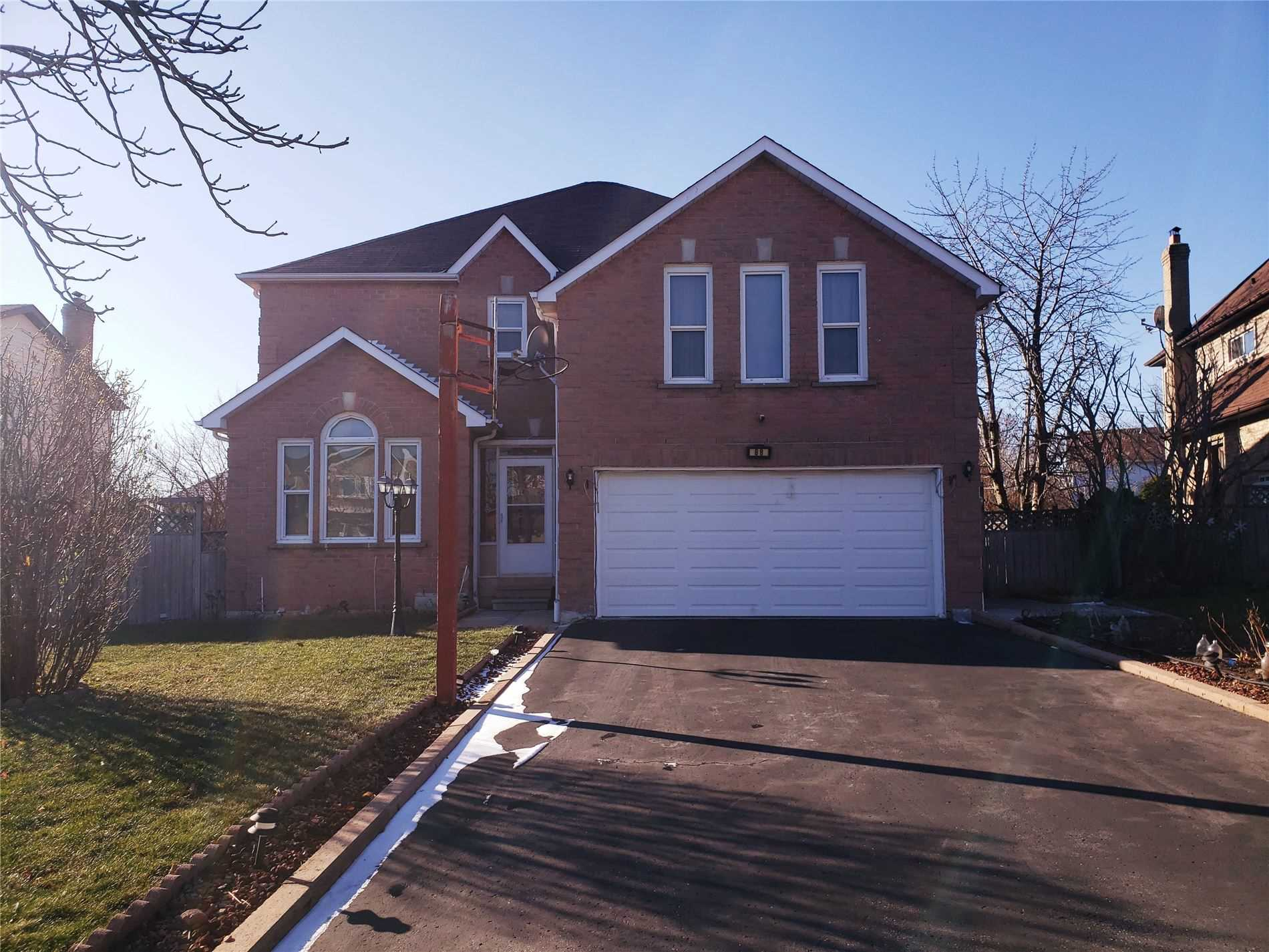 pictures of 88 Fairmeadow Pl, Whitby L1N8W2
