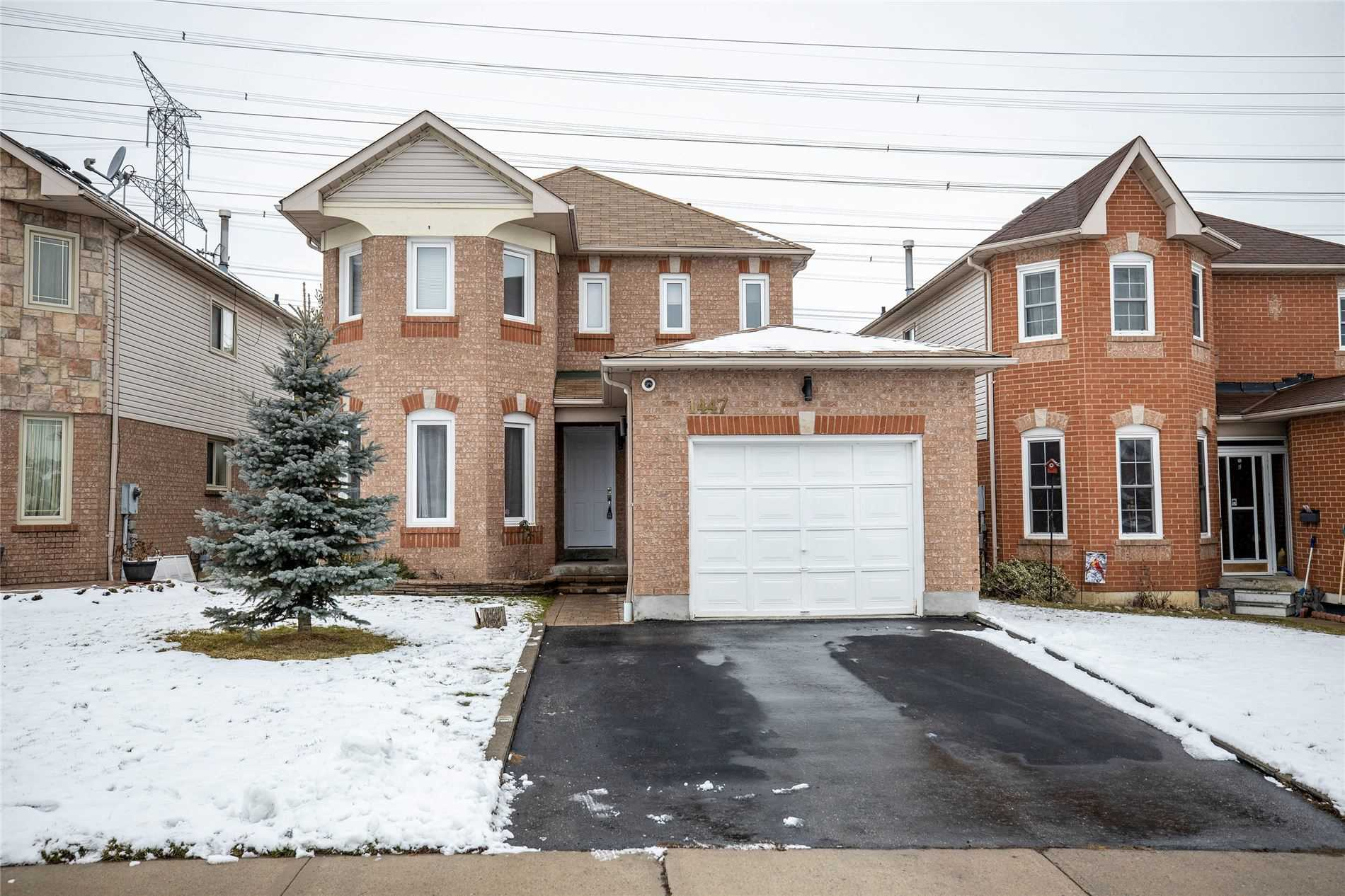 pictures of house for sale MLS: E5076811 located at 1447 Major Oaks Rd, Pickering L1X2N5