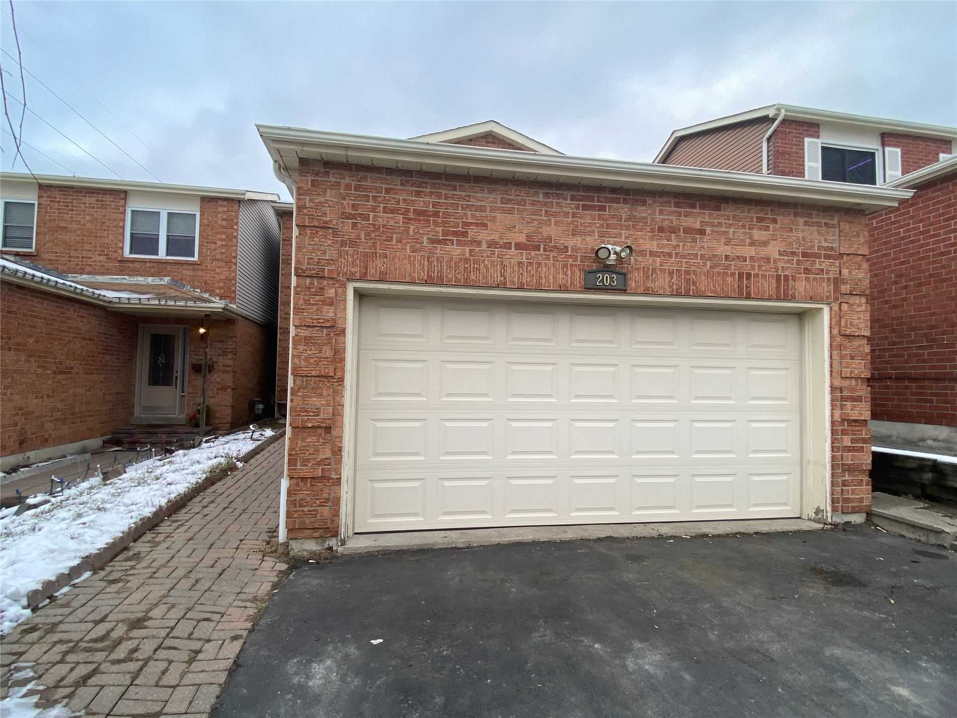 pictures of 203 Glen Hill Dr, Whitby L1N7J5