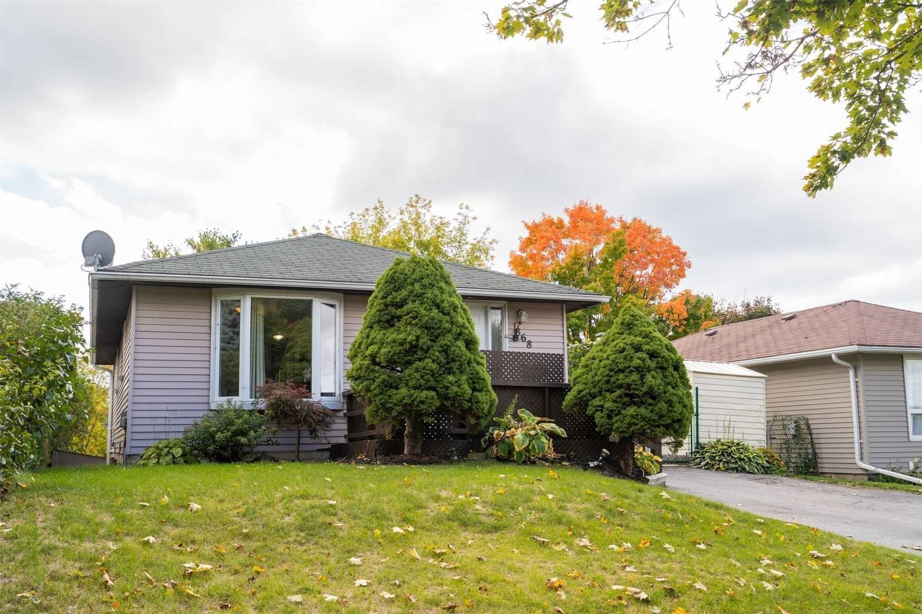 pictures of 868 Grandview  Dr, Oshawa L1H7W8