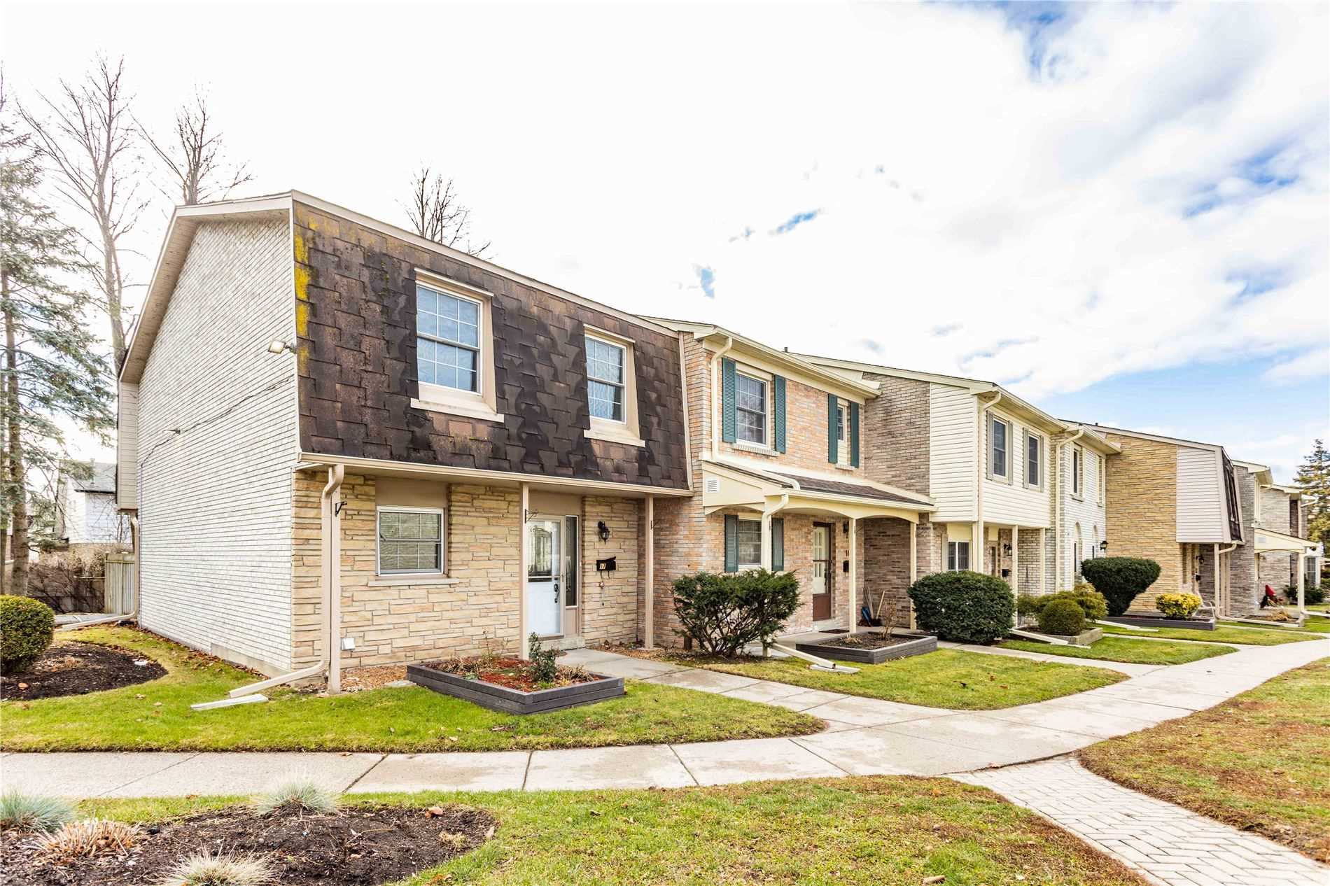 pictures of 580 Eyer Dr, Pickering L1W3A9