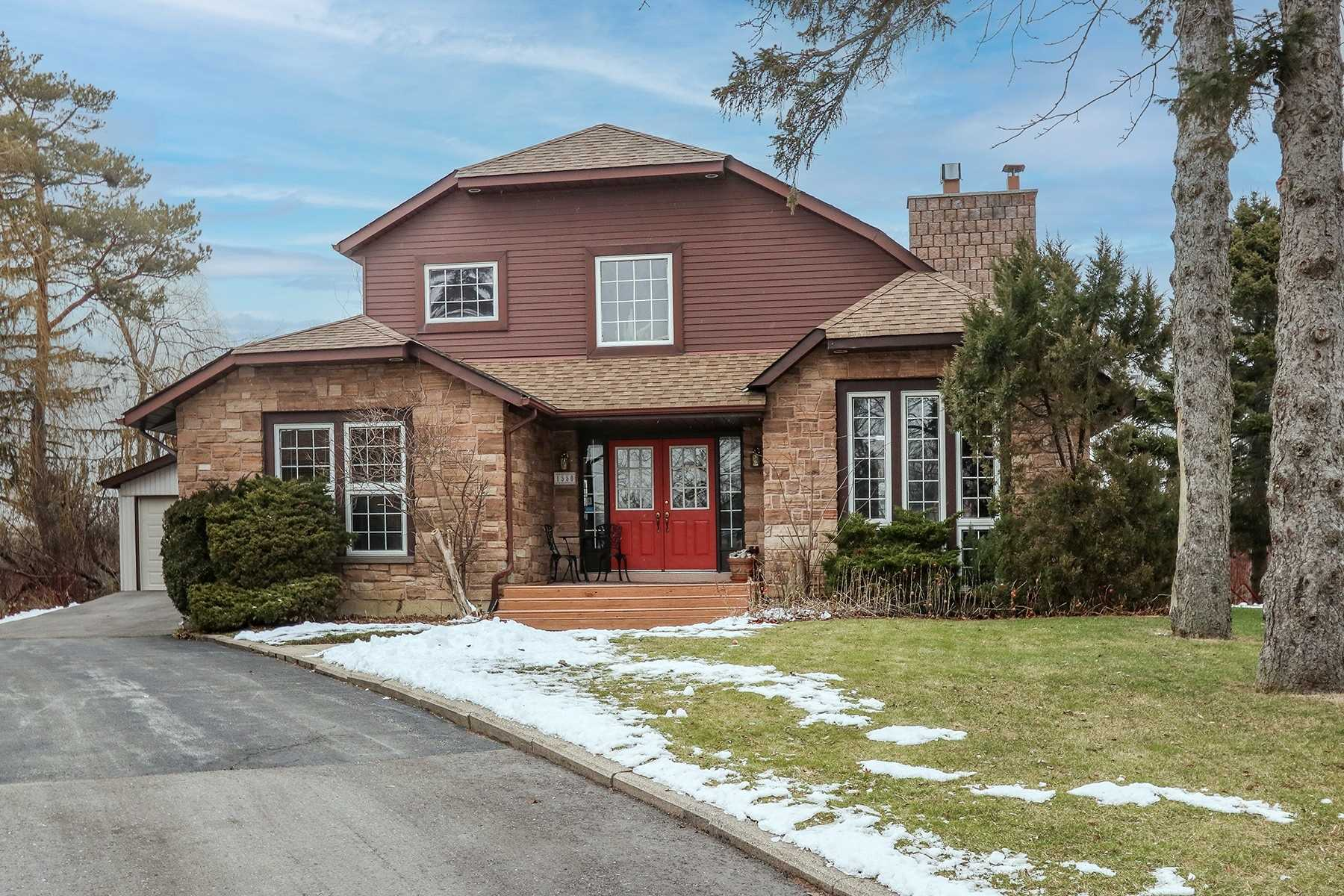 pictures of house for sale MLS: E5082933 located at 1550 Willowside Crt, Pickering L1W3P5