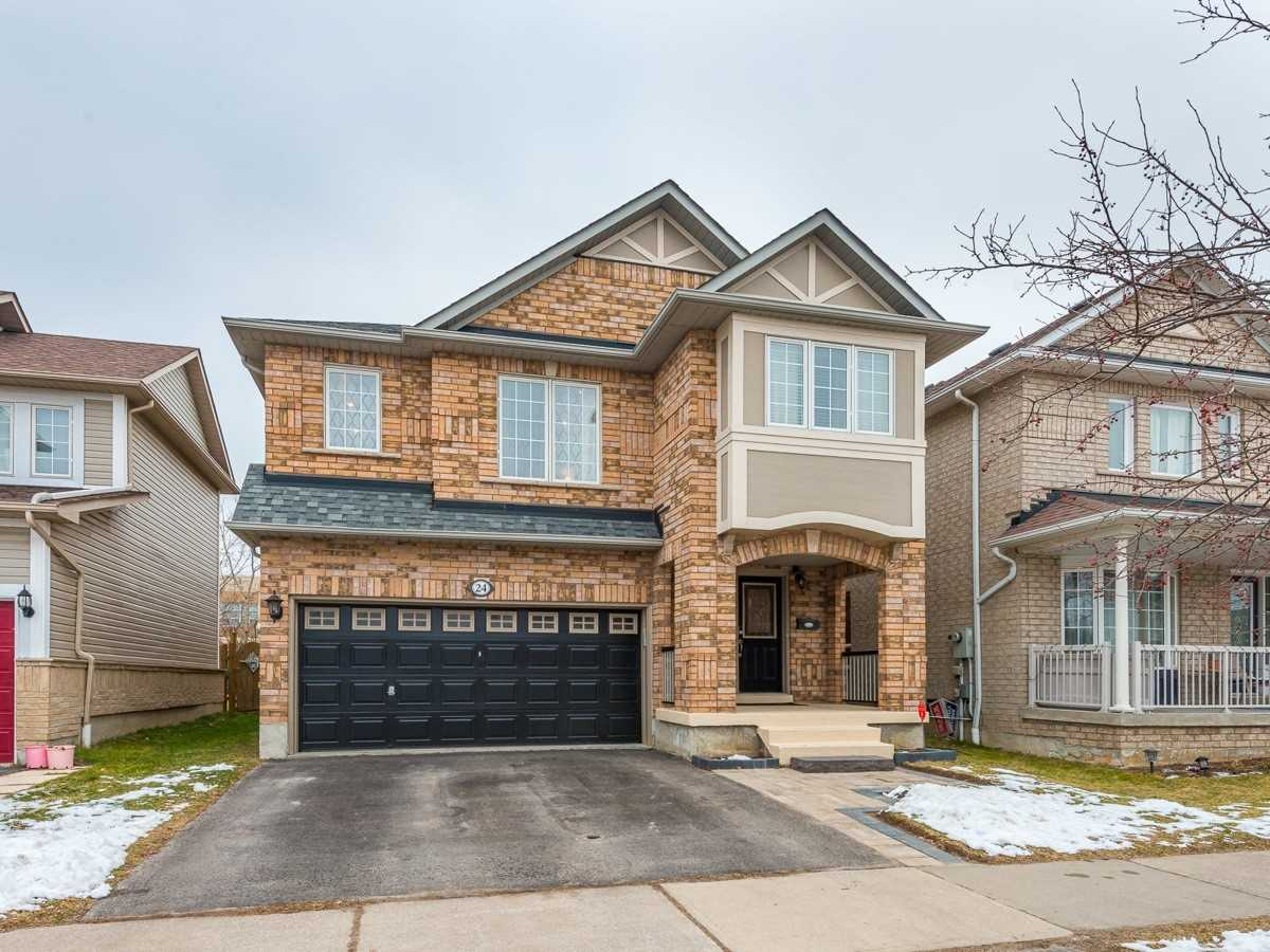 pictures of house for sale MLS: E5084326 located at 24 Hirons Dr, Ajax L1S7N6