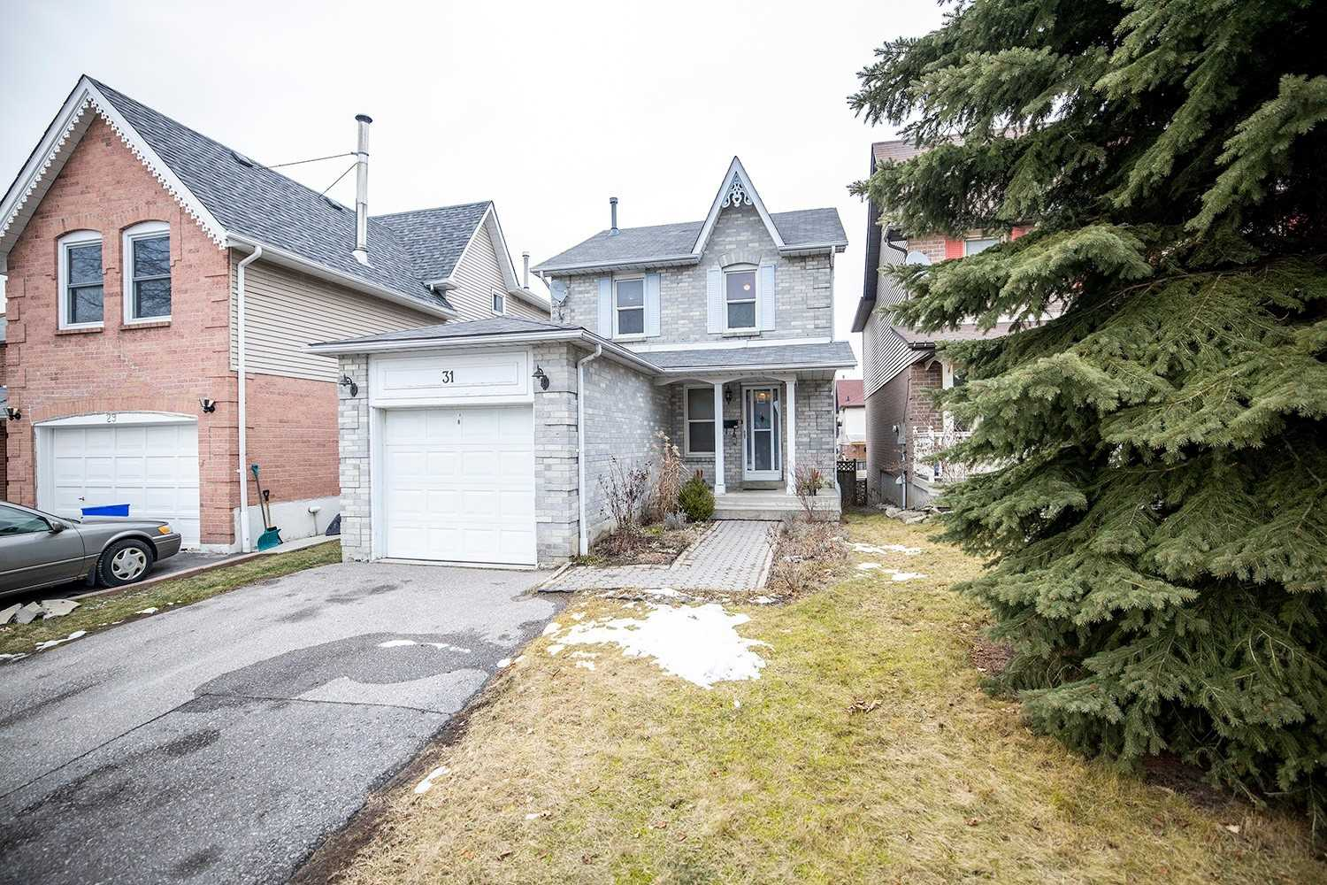 pictures of house for sale MLS: E5085447 located at 31 Cornwall Dr, Ajax L1T3G5
