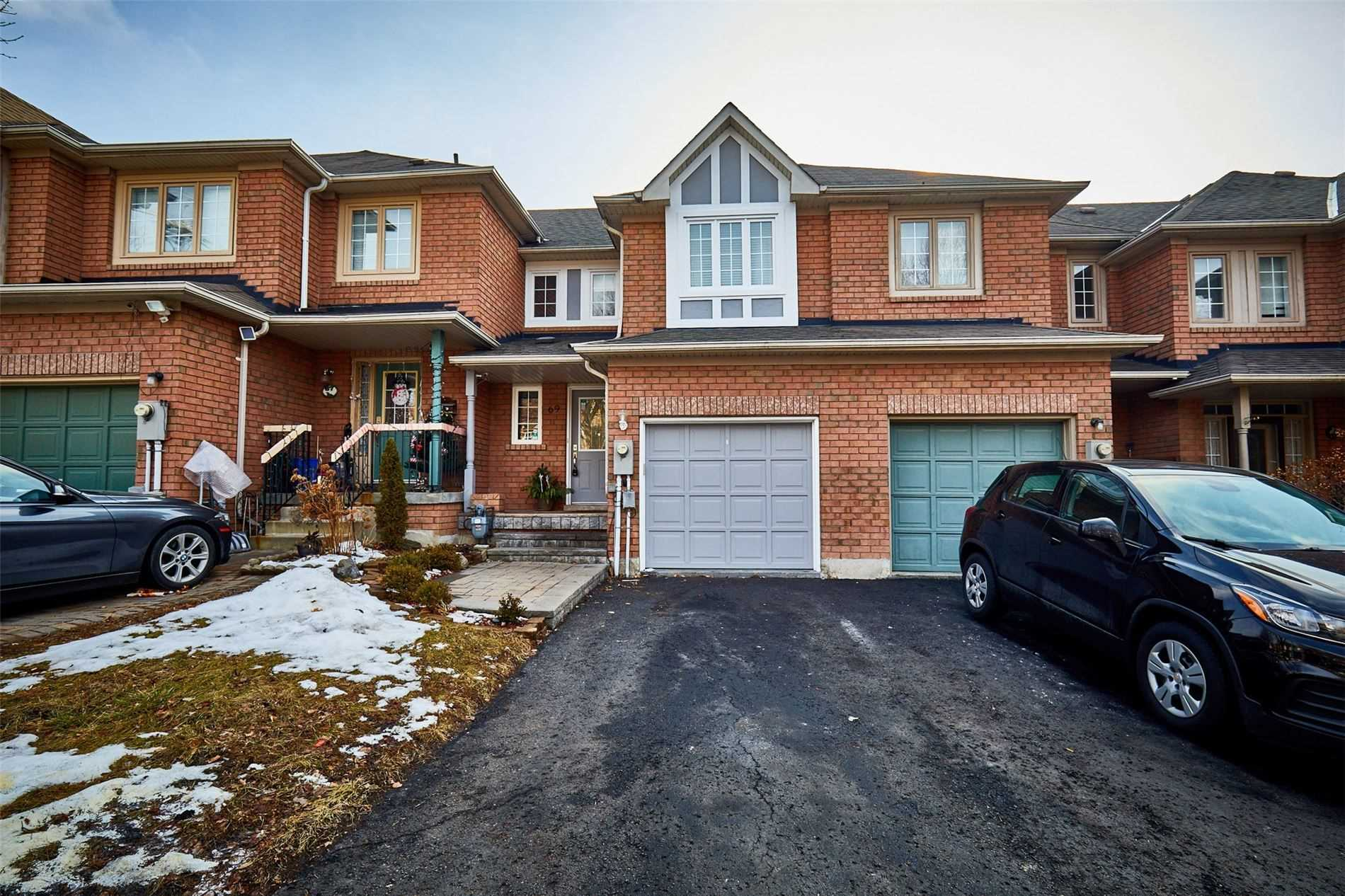 pictures of house for sale MLS: E5086504 located at 69 Twigg Dr, Ajax L1Z1G5