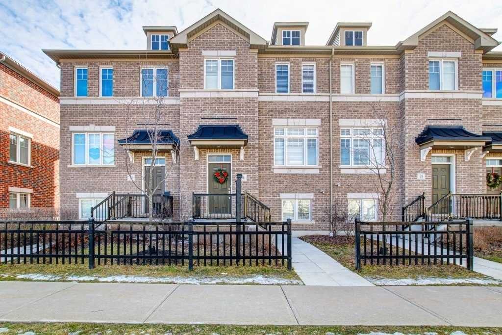 pictures of house for sale MLS: E5089411 located at 26 Streathern Way, Clarington L1C0C2
