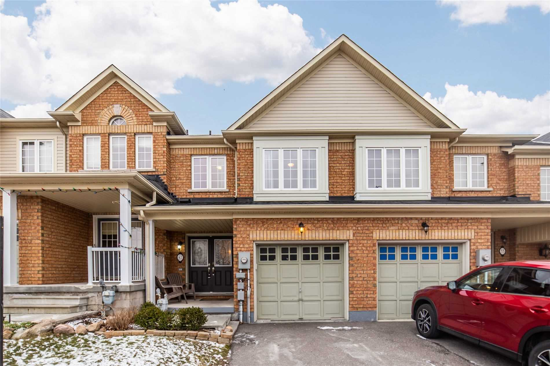 pictures of house for sale MLS: E5090400 located at 57 Kersey Cres, Clarington L1E0A5