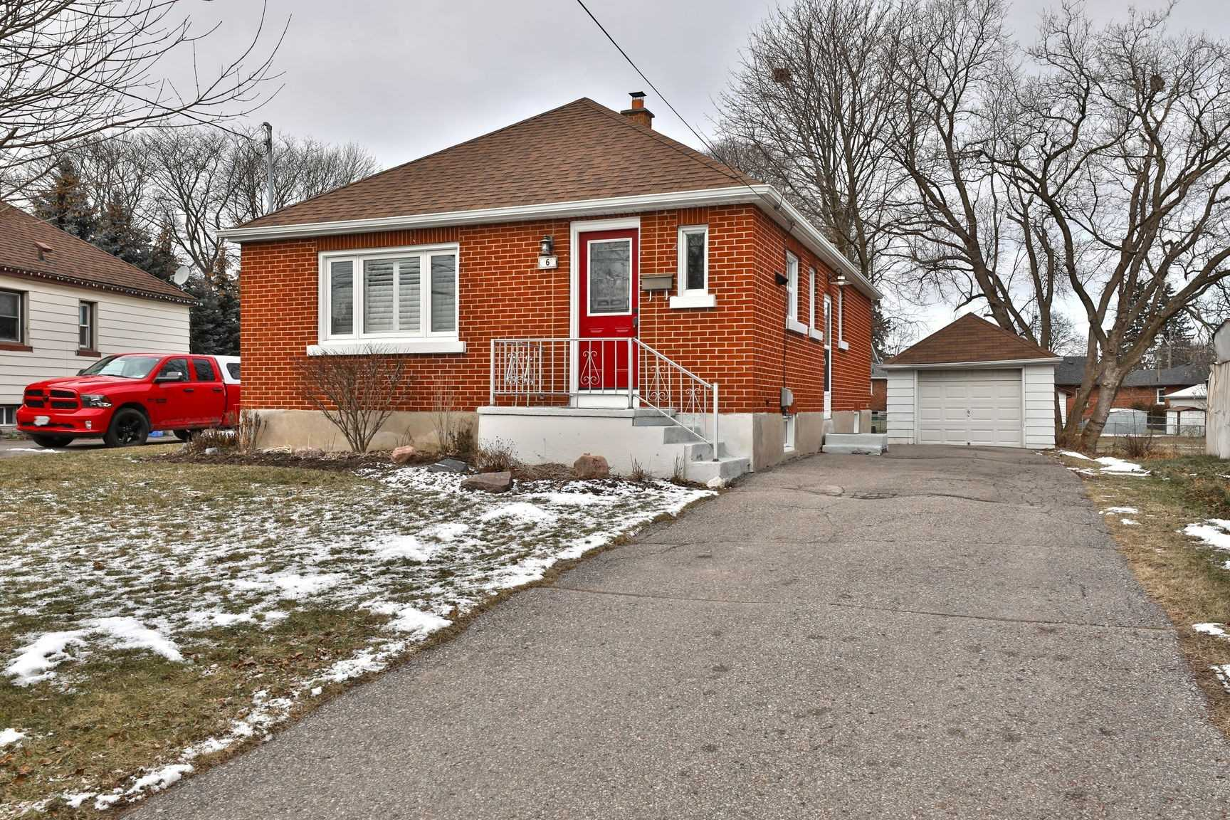 pictures of house for sale MLS: E5090686 located at 6 Jane St, Clarington L1C1G1