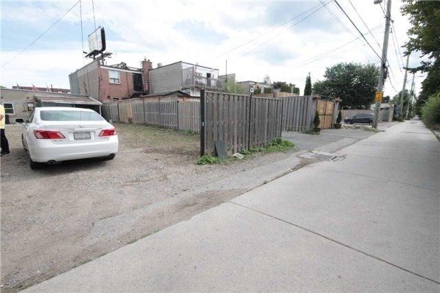 pictures of 2444 Kingston Rd, Toronto M1N1V3