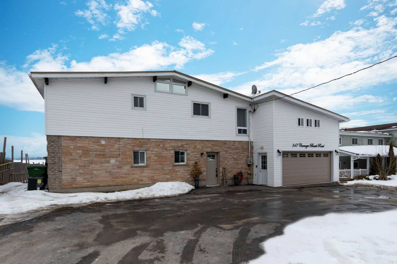 pictures of house for sale MLS: E5127381 located at 347 Carnegie Beach Rd, Scugog L9L1B6