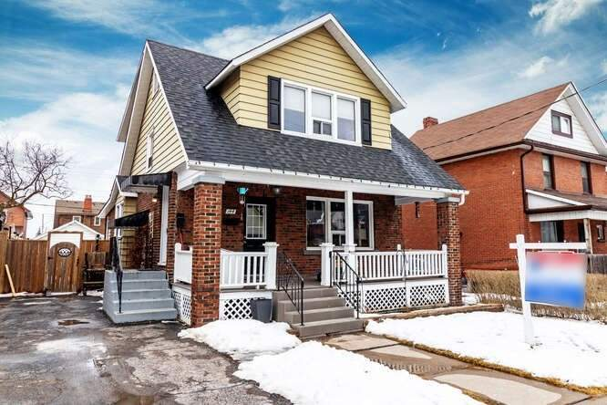 pictures of house for sale MLS: E5127577 located at 144 Agnes St, Oshawa L1G1V4
