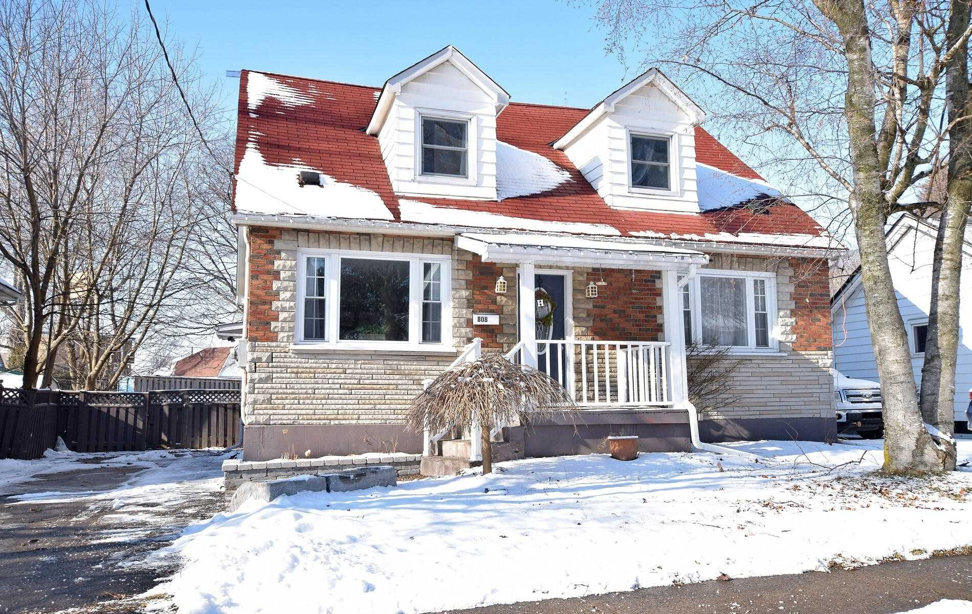 pictures of house for sale MLS: E5128711 located at 808 Gordon St, Oshawa L1H4V9