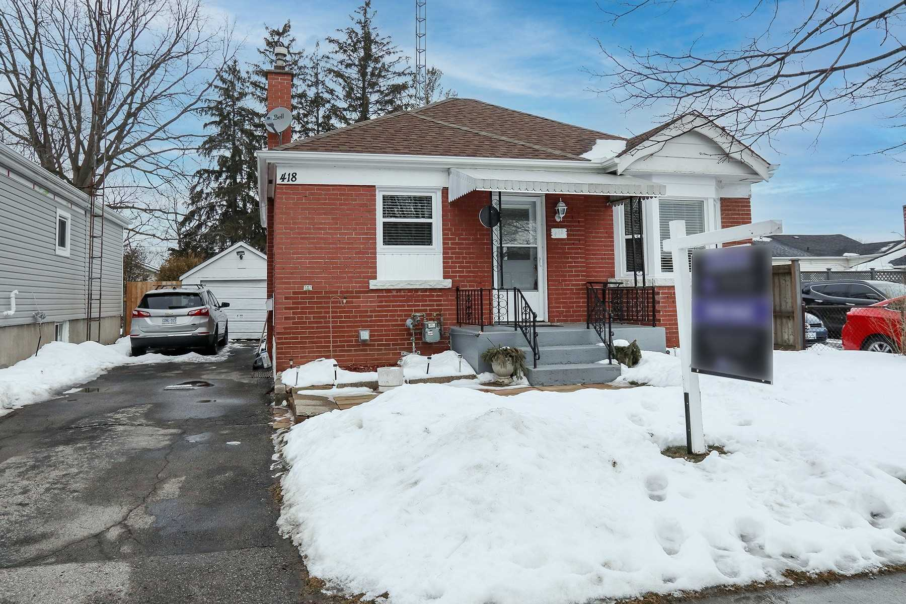 pictures of house for sale MLS: E5128956 located at 418 Adelaide Ave W, Oshawa L1J2R8