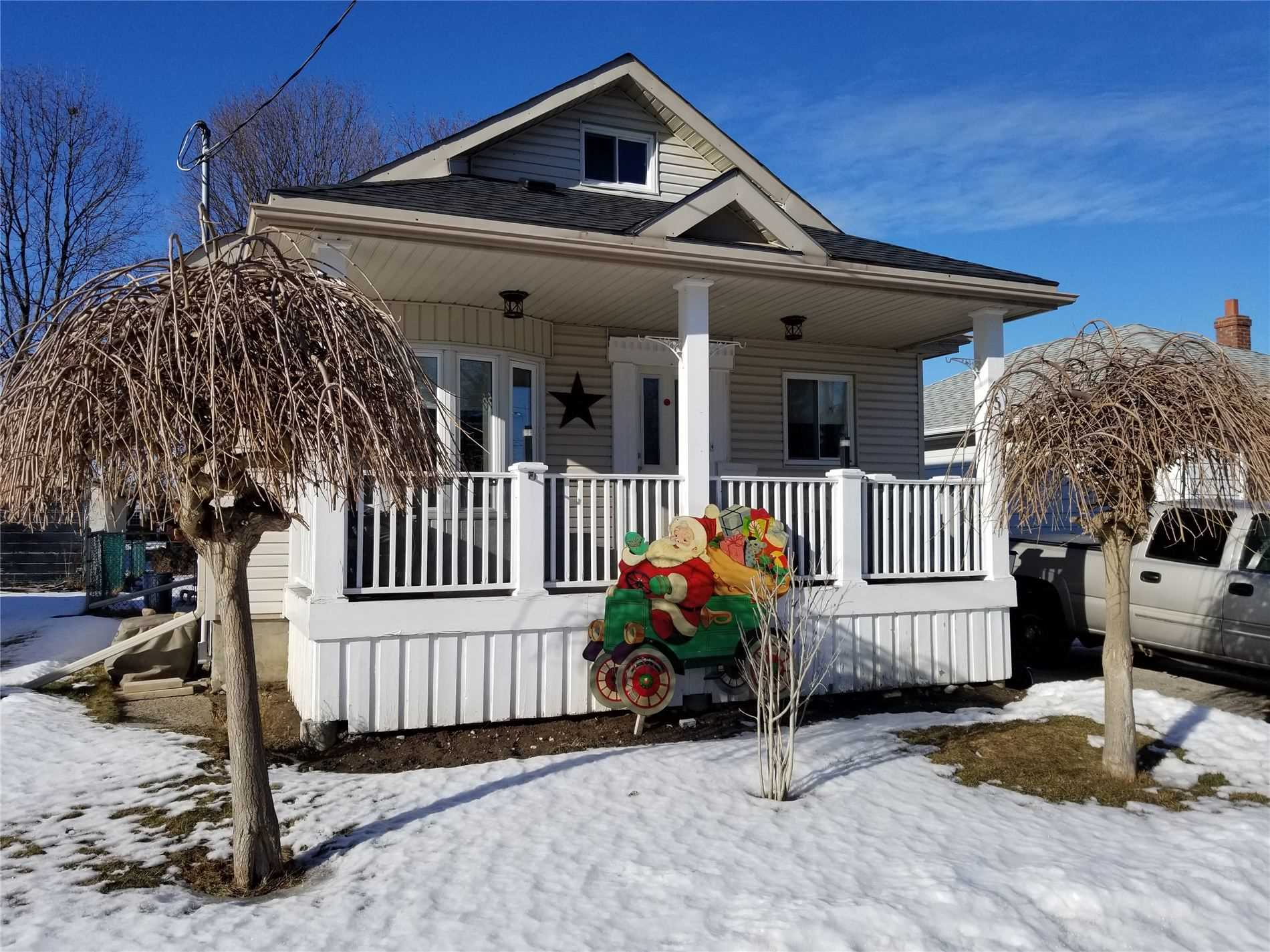 pictures of house for sale MLS: E5130550 located at 452 Madison Ave, Oshawa L1J2P6