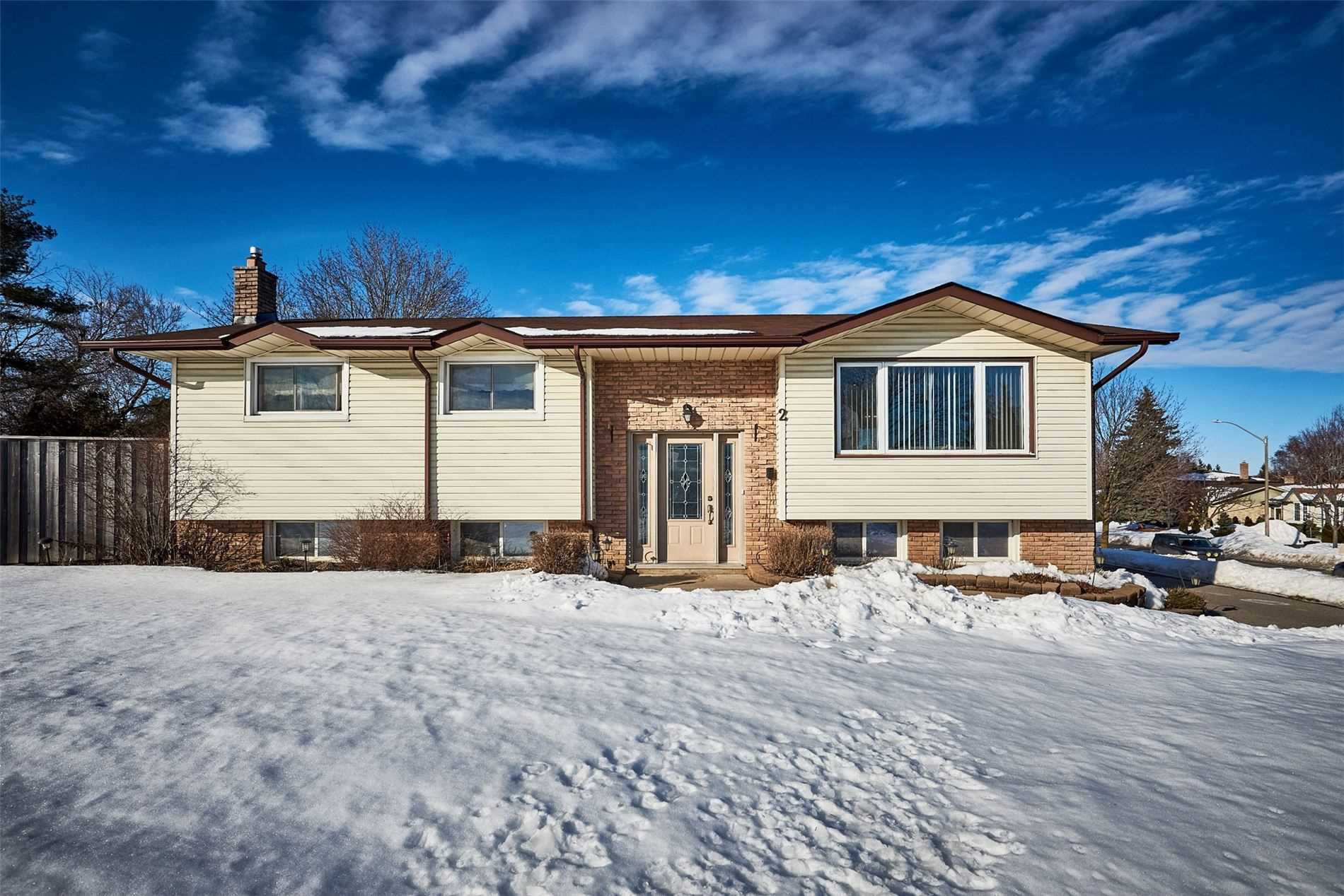 pictures of house for sale MLS: E5131692 located at 2 Lakeview Dr, Scugog L9L1G4